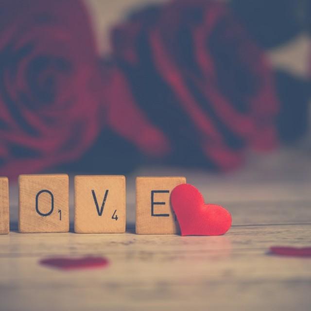 Cómo romper la monotonía en una relación: escapada romántica